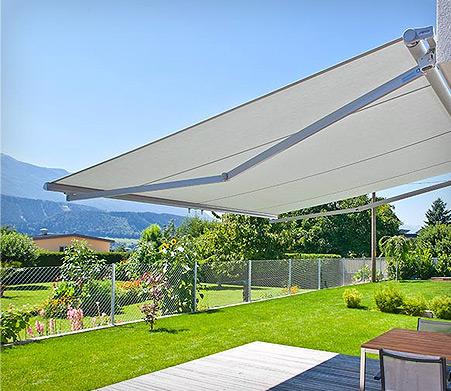 sonnenschutz f r terrasse balkon markisen und sonnenschirme dolenz gollner. Black Bedroom Furniture Sets. Home Design Ideas